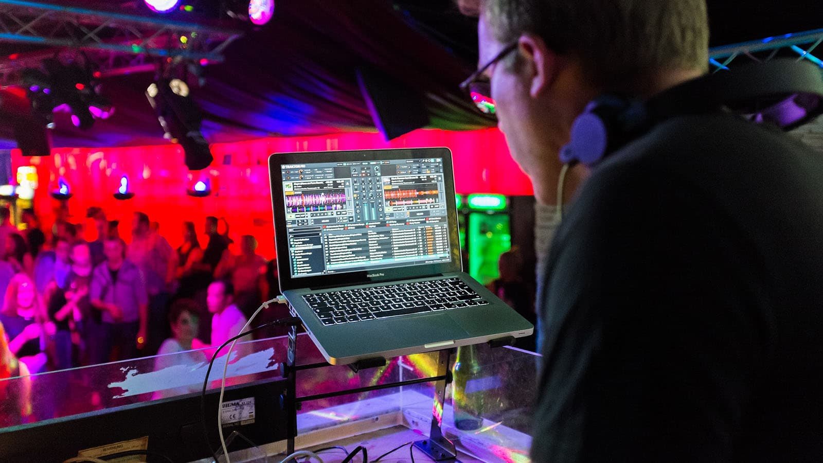 ausgehen-vendee-diskotheken-salon-bars